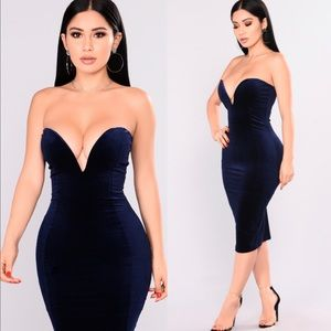 Fashion Nova blue velvet body on midi dress